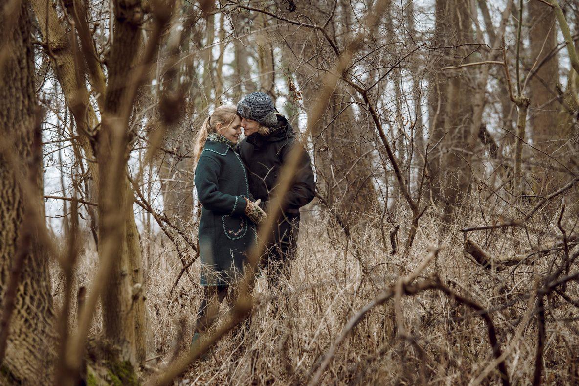 Outdoor Fotografie eines Paares im Wald